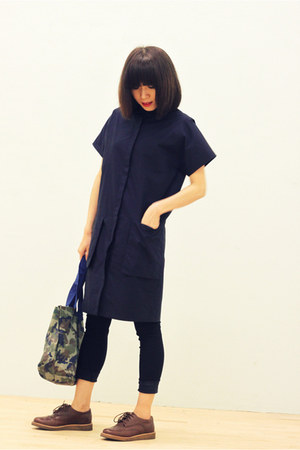 dark brown flat Clarks Originals shoes - navy coat dress CrossWoodStore dress