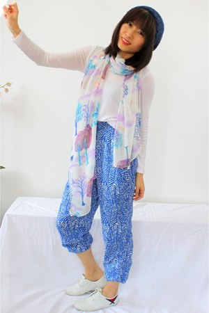 white CrossWoodStore scarf - sky blue casual Forever21 pants