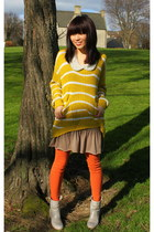 mustard oversized DIY sweater - off white flat Thompson boots