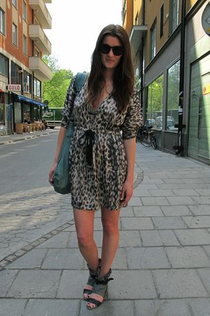 Fashion for Aids by H&M dress - 2080 shoes - VIPS purse - GINA TRICOT sunglasses