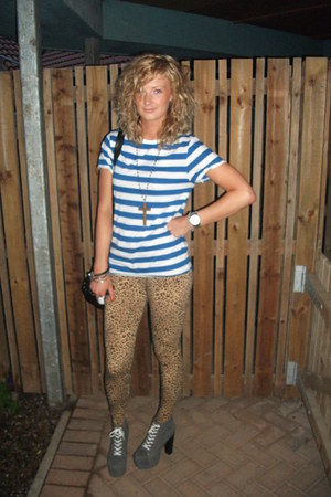 Topman t-shirt - Jeffrey Campbell shoes - H&M leggings