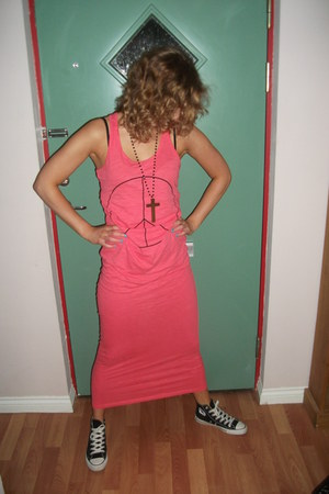 maxi dress H&M dress - hi tops Converse sneakers