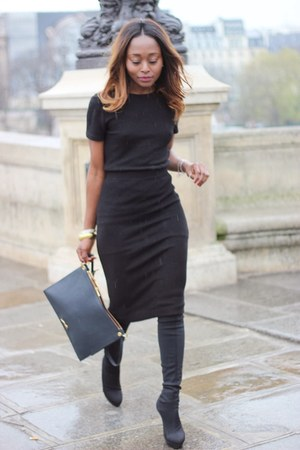 Zara dress - Bimba & Lola bag - Michel Klein pumps