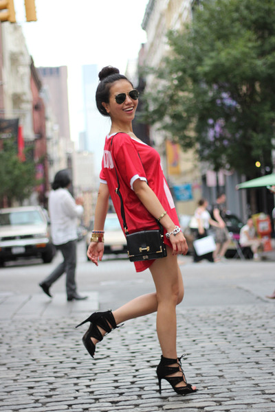 red Topshop top - black vintage Rachael Ruddick bag - black lace up Zara sandals