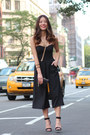 Black-ankle-strap-schutz-shoes-black-party-marciano-purse
