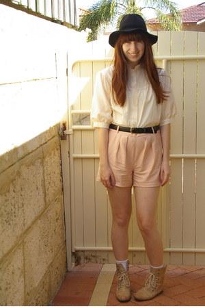 neutral vintage top - peach Sportsgirl shorts - black Sportsgirl hat - black vin