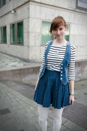 blue H&M vest - white H&M shirt - blue H&M Trend skirt