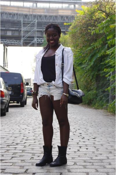 Bershka shorts - H&M blouse