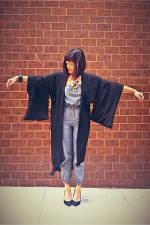 silver chambray American Apparel jumper - black kimono Wasteland cardigan