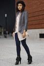 Boots-hat-blazer-blouse