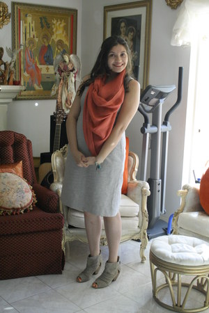 banana republic dress - unknown brand scarf - Aldo wedges - Me bracelet