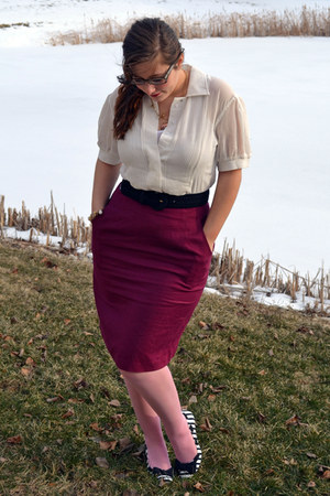 bubble gum Betsey Johnson tights - maroon thrifted skirt - white modcloth top -