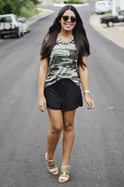 olive green camo kirra top - black Forever 21 shorts