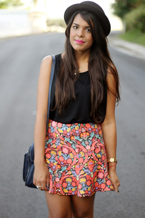 salmon Zara skirt - black H&M hat - black buckle Shoedazzle wedges