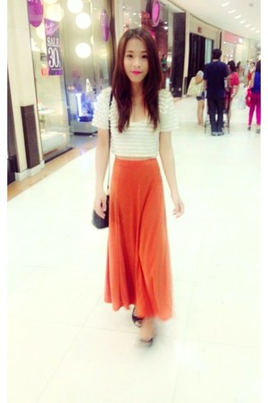 white H&amp;M shirt - carrot orange unknown brand dress - black H&amp;M flats