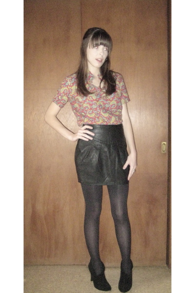 red vintage blouse - black Forever 21 skirt - black  tights - black shoes - gold