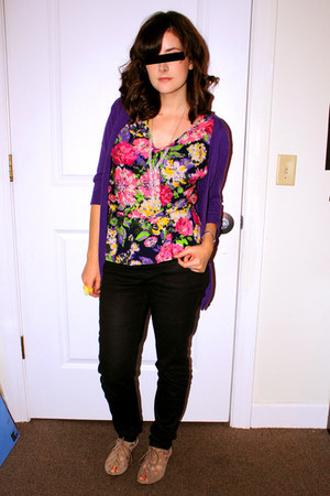 delias shirt - deep purple cardigan - black Forever 21 jeans - Mia shoes - yello