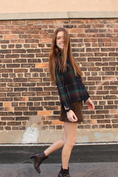 crimson vintage boots - navy plaid vintage shirt - dark brown H&M skirt