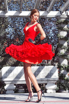 red Msdressy dress - beige Mango bag - black Zara sandals - black Zara gloves