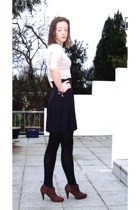 petit bateu shirt - Zara shoes