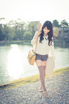 light yellow bag - tan tights - heather gray shorts - beige Forever 21 loafers
