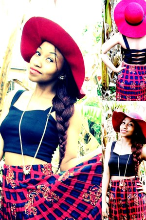 top - floppy red hat hat - skirt - necklace