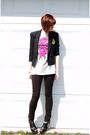 Black-vintage-blazer-black-pants-black-shoes-beige-shirt