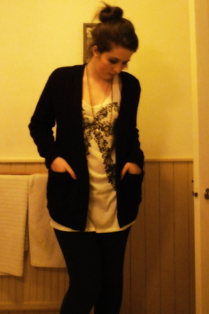 red Topshop cardigan - white H&M vest - black American Apparel leggings - purple
