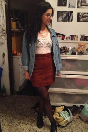 crimson leather skirt