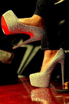 red 6 inches heels - silver round toe heels