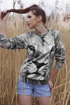 LoveIt sweater