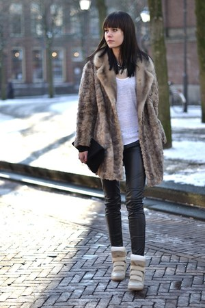 vintage coat - Isabel Marant sneakers - club manhattan necklace