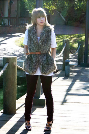 purple pants - black shoes - brown vintage belt - gray faux fur Forever 21 vest