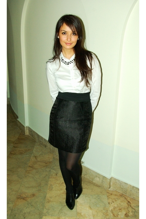 black H&M skirt - white H&M shirt - black Aldo shoes