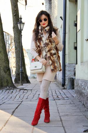 red Metro boots - beige H&M dress - eggshell bag - brown Amisu vest