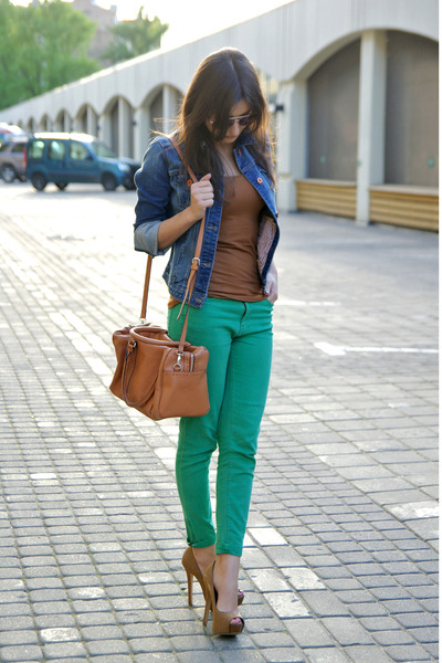 Green-zara-jeans-blue-zara-jacket-burnt-orange-mango-bag-brown-lindex-top_400