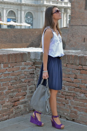 purple yin wedges - silver Stella Mc Cartney bag - navy H&M skirt