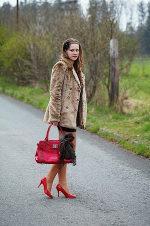 red New Yorker shoes - black leather Tally Weijl dress - beige faux fur Tally We
