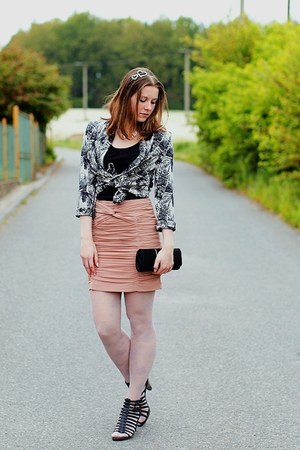black reno shoes - black and white H&M blazer - light pink with roses F&F tights