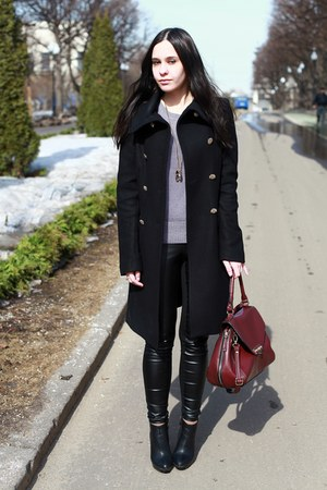 Zara coat - Zara pants - Massimo Dutti necklace