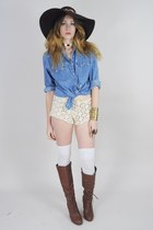 eggshell Lush Love Lita shorts - brown knee high UrbanOG boots