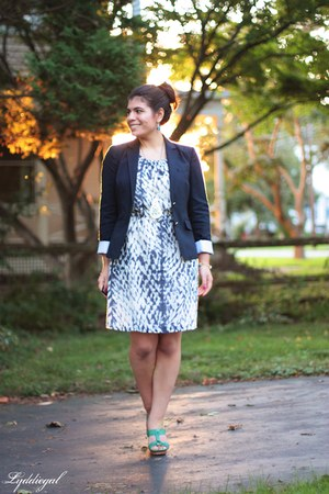 navy Gap blazer - Gap dress - aquamarine Frye sandals