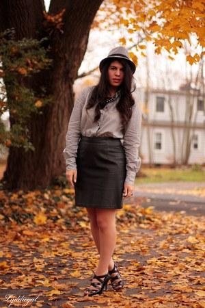 black leather thrifted skirt - JCrew shirt - adrienne vittadini heels