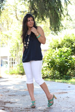 navy Gap top - white TJMaxx pants - gold Macys necklace