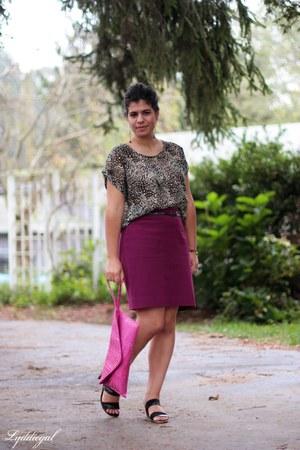 dark brown leopard TJMaxx top - hot pink c TJMaxx bag