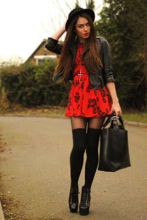 red Motel dress - black H&M hat - black romwe bag - black Jeffrey Campbell heels