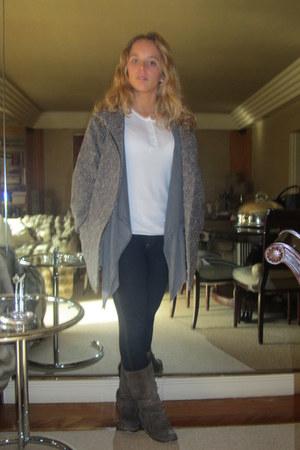 Stradivarius boots - Zara coat - Primark jeans - Levis shirt - Zara cardigan