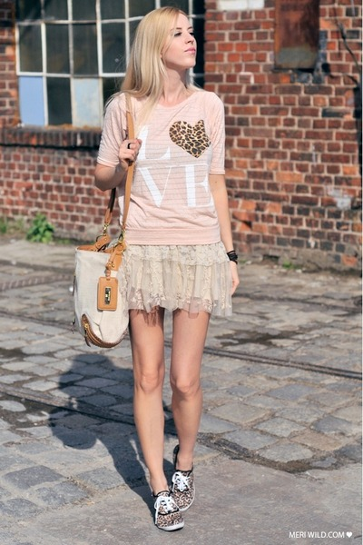 light pink River Island shirt - camel bag - beige sneakers