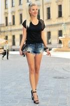 black pull&bear shirt - black Bershka bag - navy Zara shorts - black Quazi heels