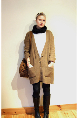 Zara jacket - Buttero shoes - H&amp;M scarf - Bik Bok t-shirt